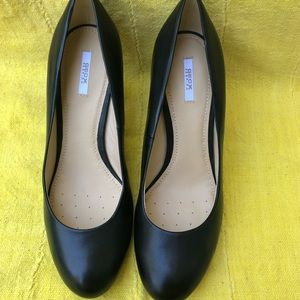 GEOX Black Leather Pumps